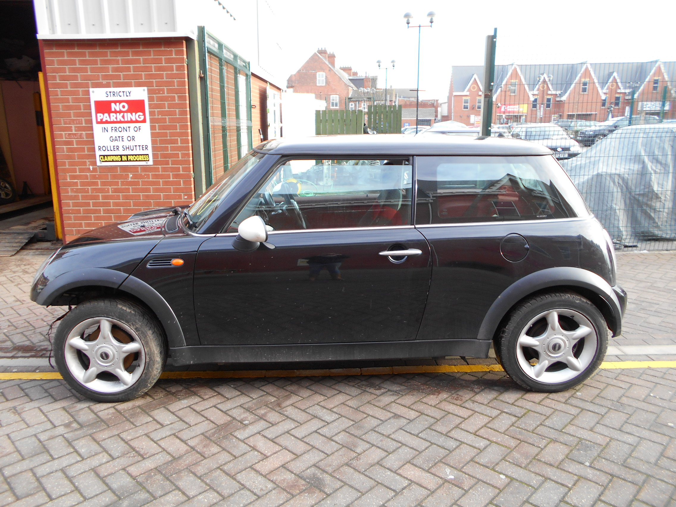02 Black 1.6 BMW Mini One - 2