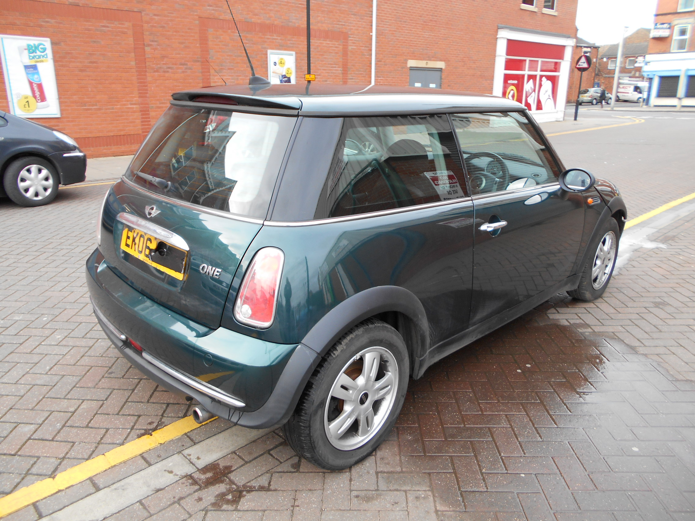 06 Green 1.6 BMW Mini One - 4