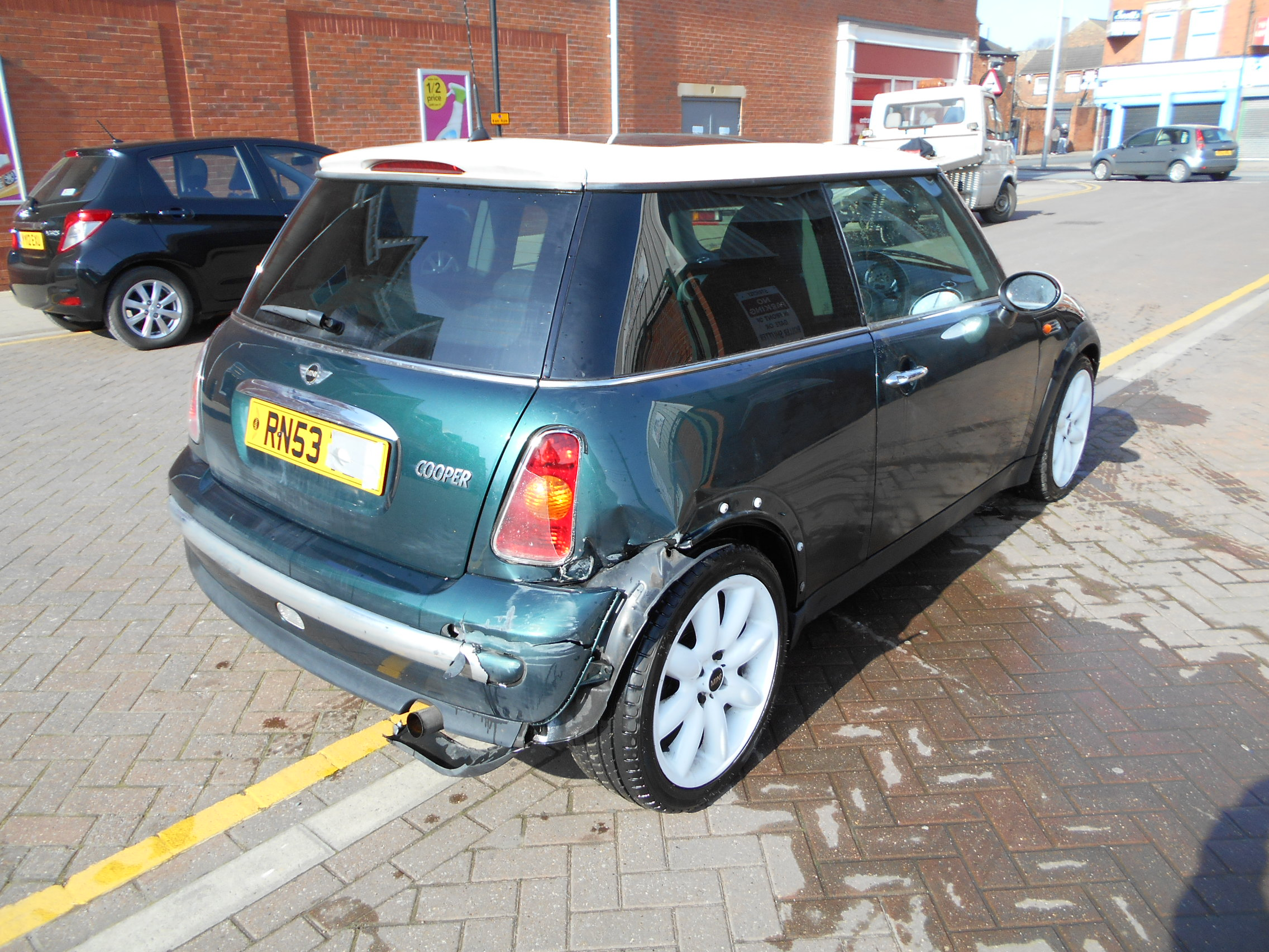 03 Green 1.6 BMW Mini Cooper - 4