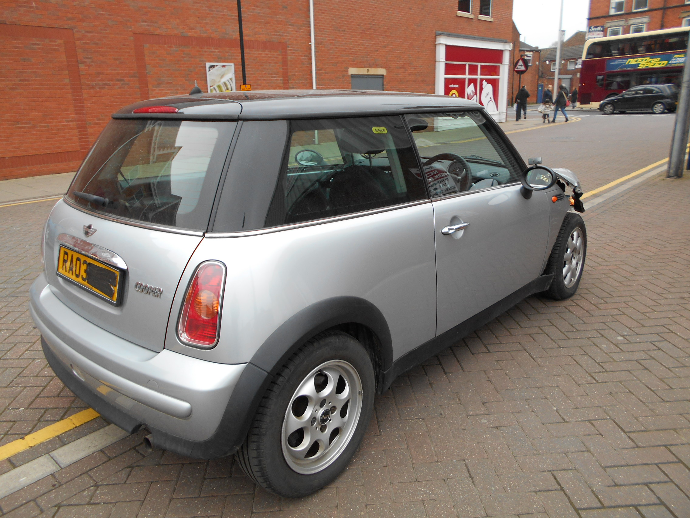 03 Silver Automatic 1.6 BMW Mini Cooper - 4