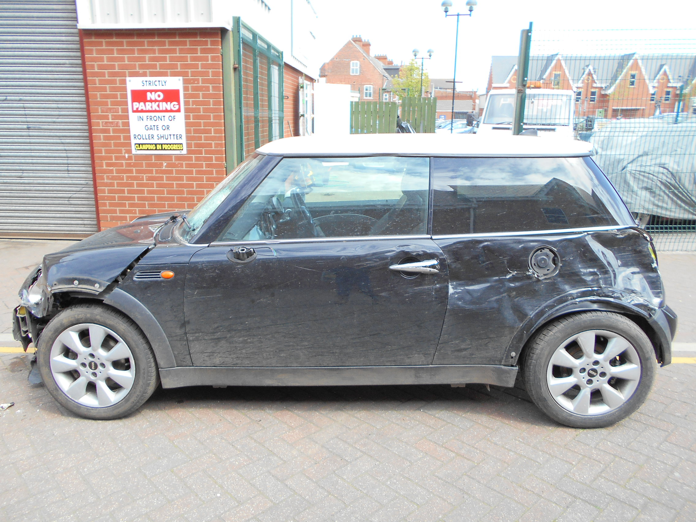 04 Black 1.6 BMW Mini Cooper - 2