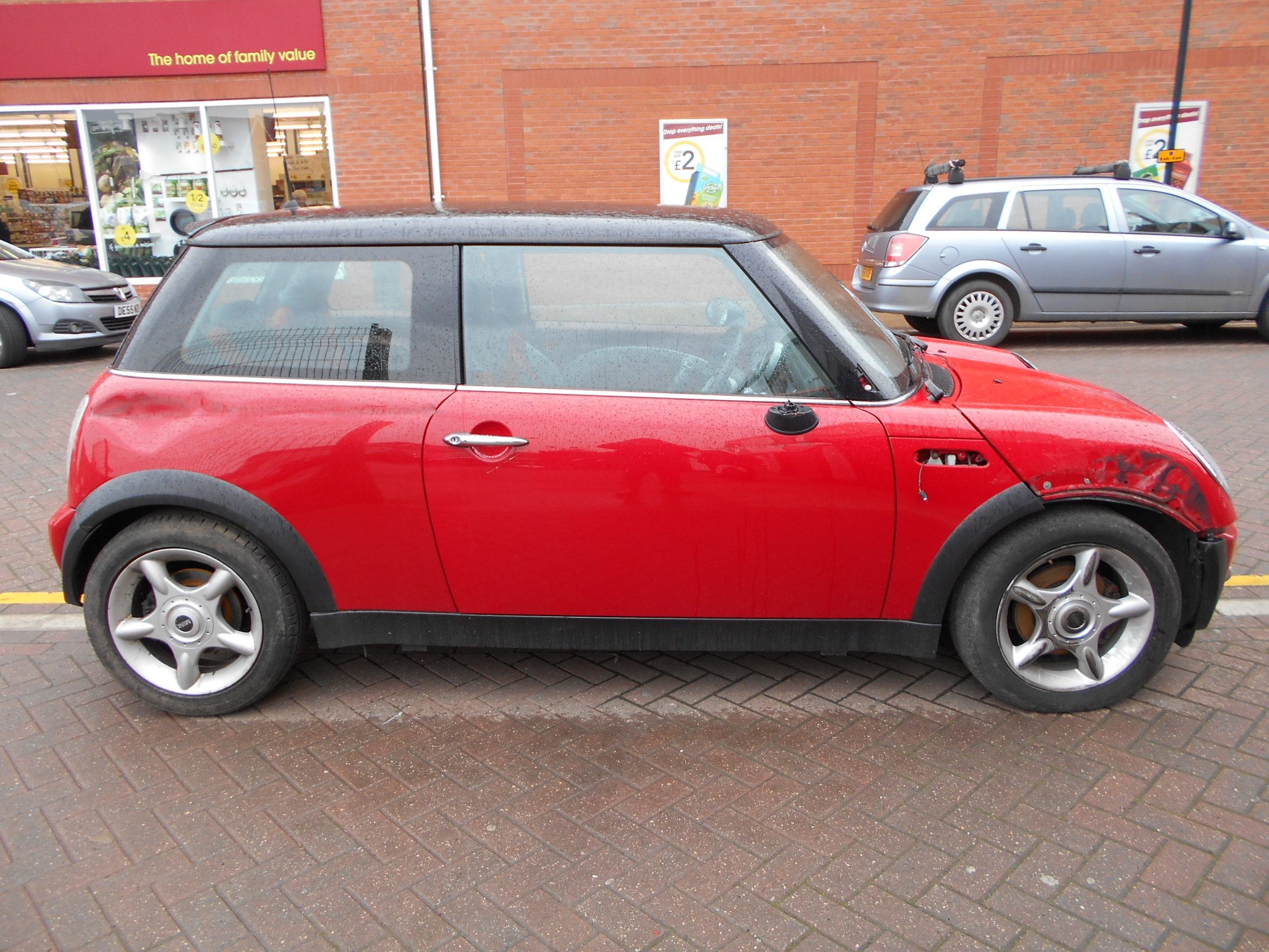 04 Black 1.6 BMW Mini Cooper - 1