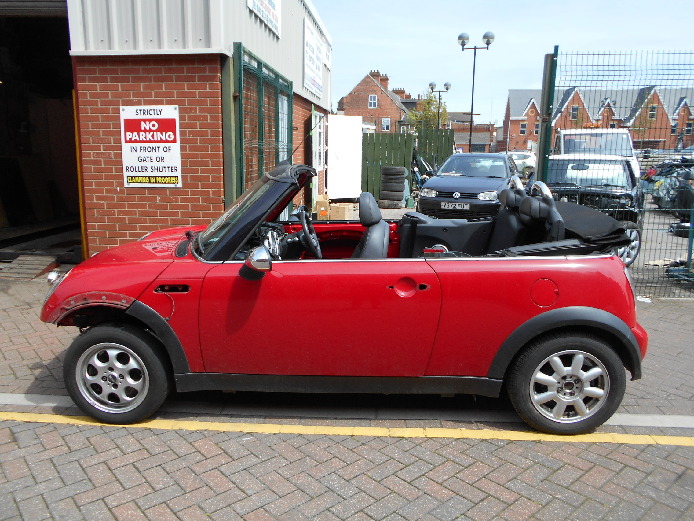04 Chilli Red 1.6 BMW Mini Convertible - 3
