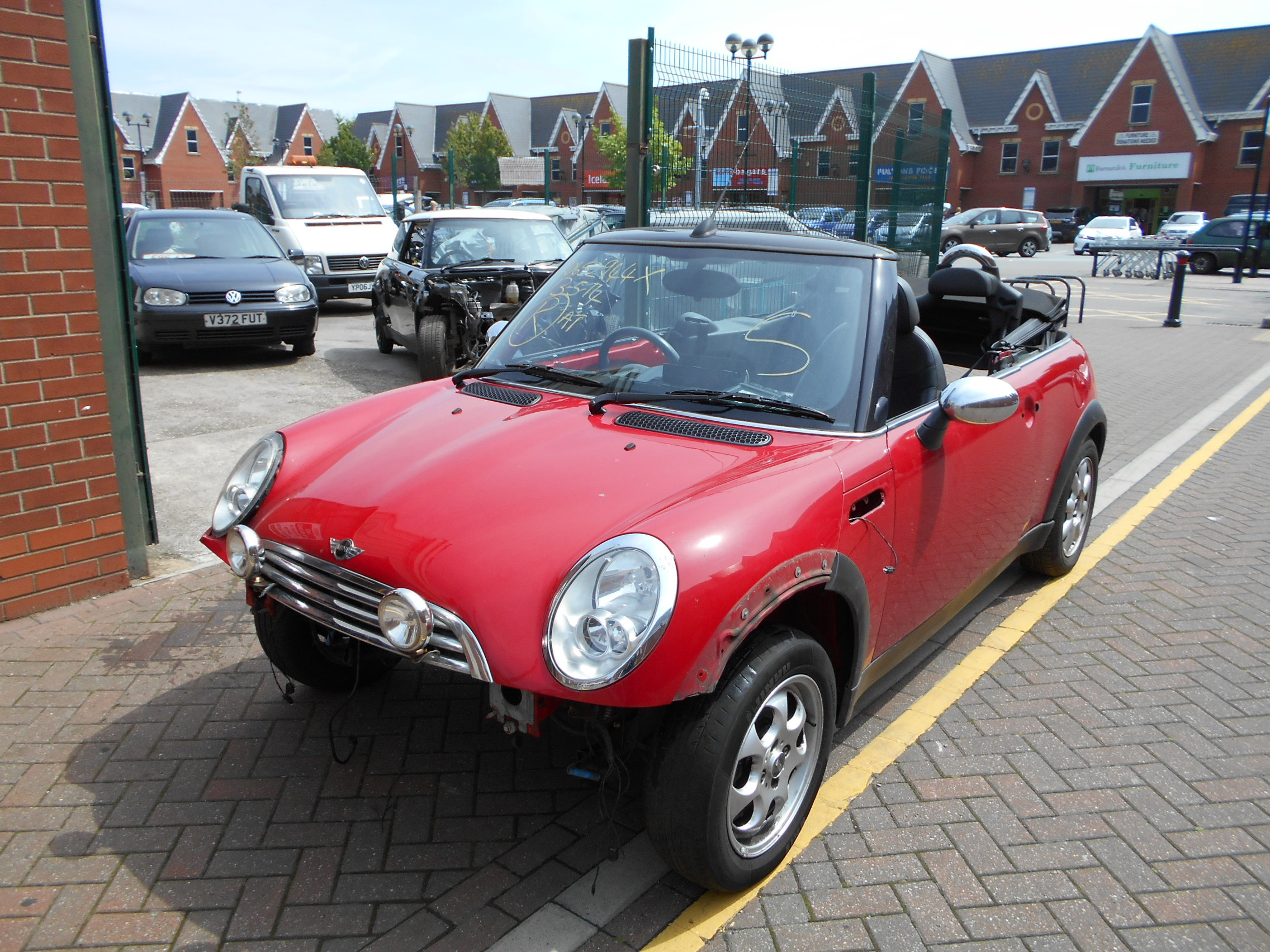 04 Chilli Red 1.6 BMW Mini Convertible - 5