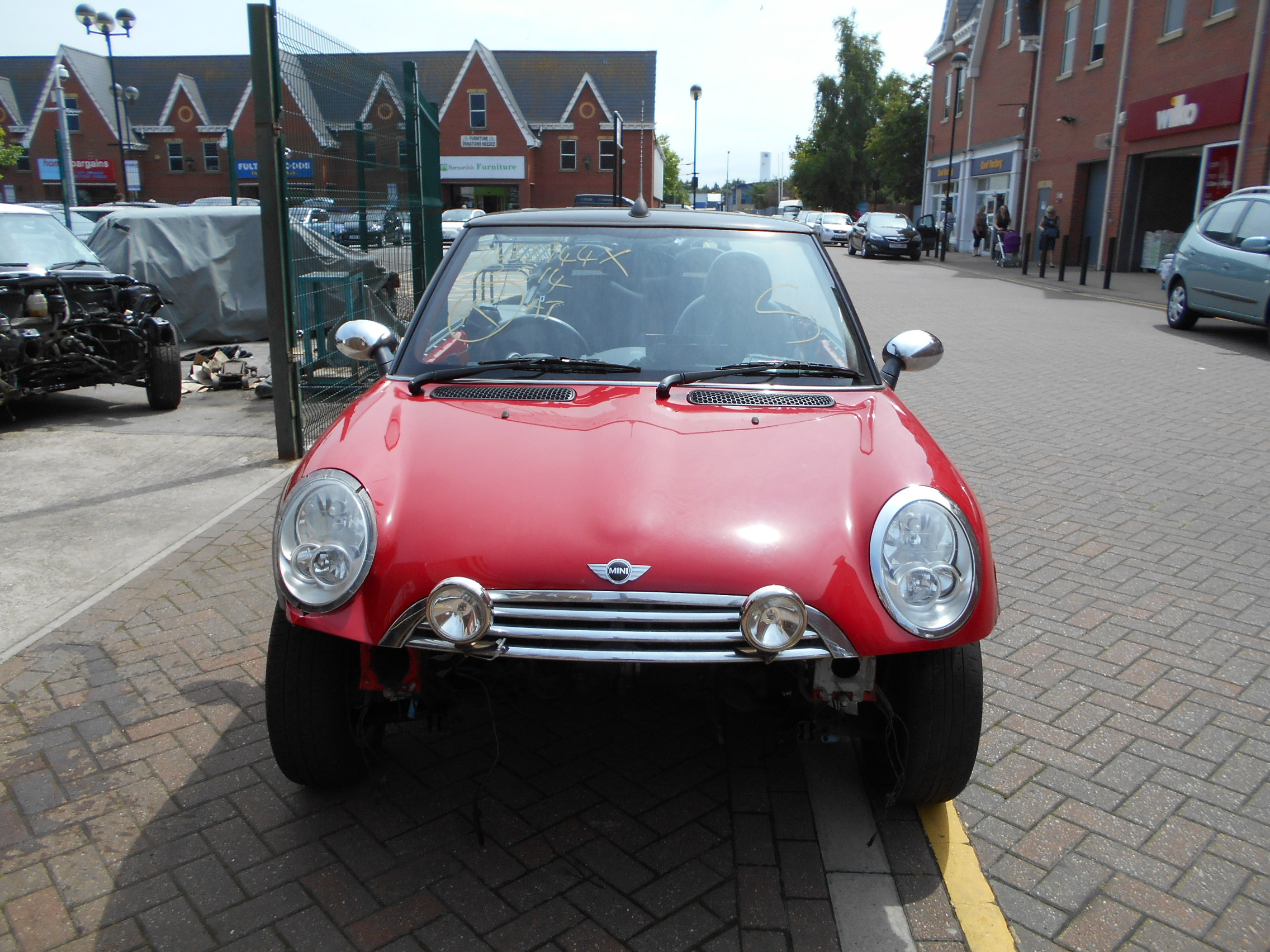 04 Chilli Red 1.6 BMW Mini Convertible - 7