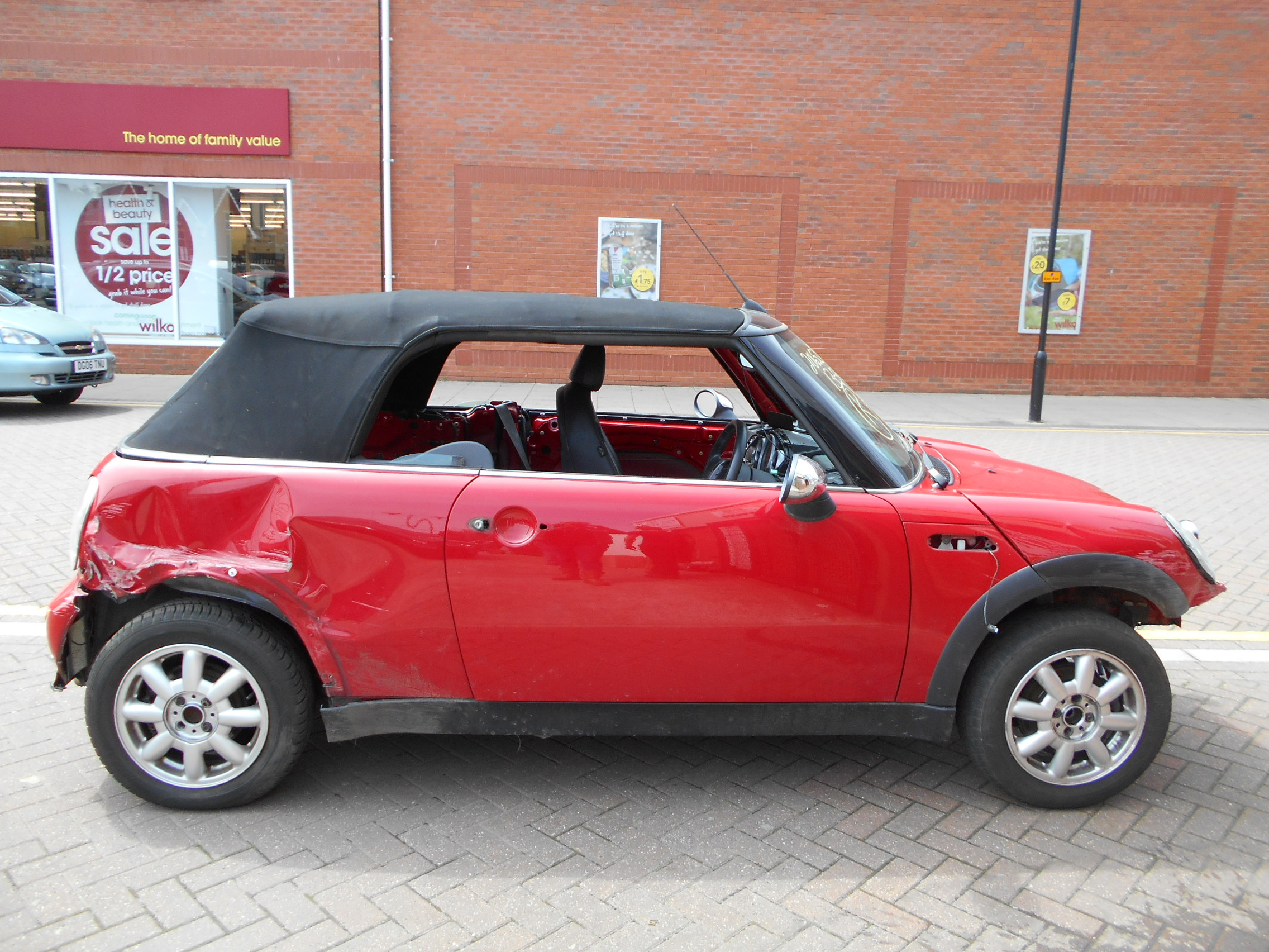 04 Chilli Red 1.6 BMW Mini Convertible - 2