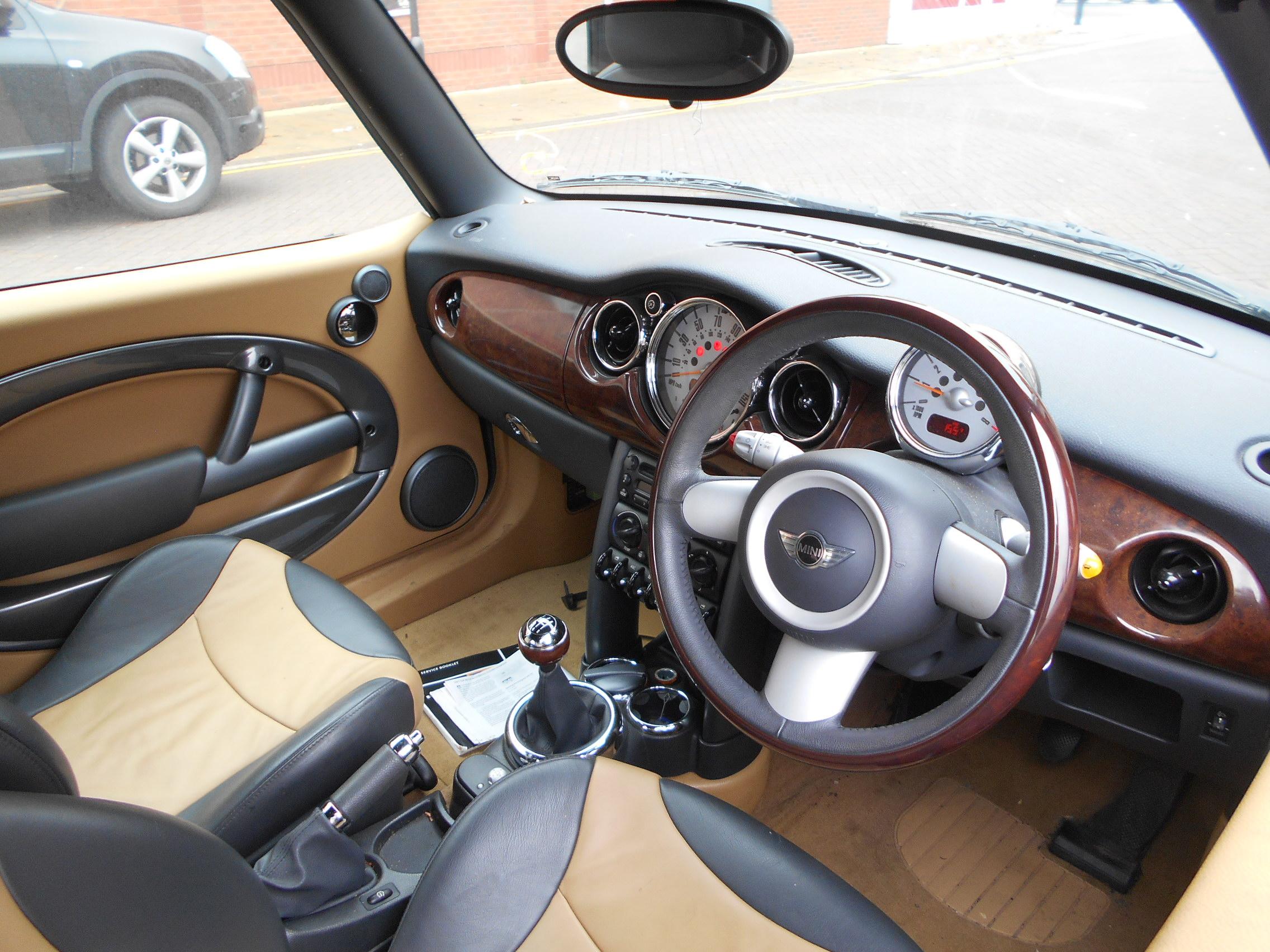 05 British Racing Green Convertible 1.6 BMW Mini Cooper - 7