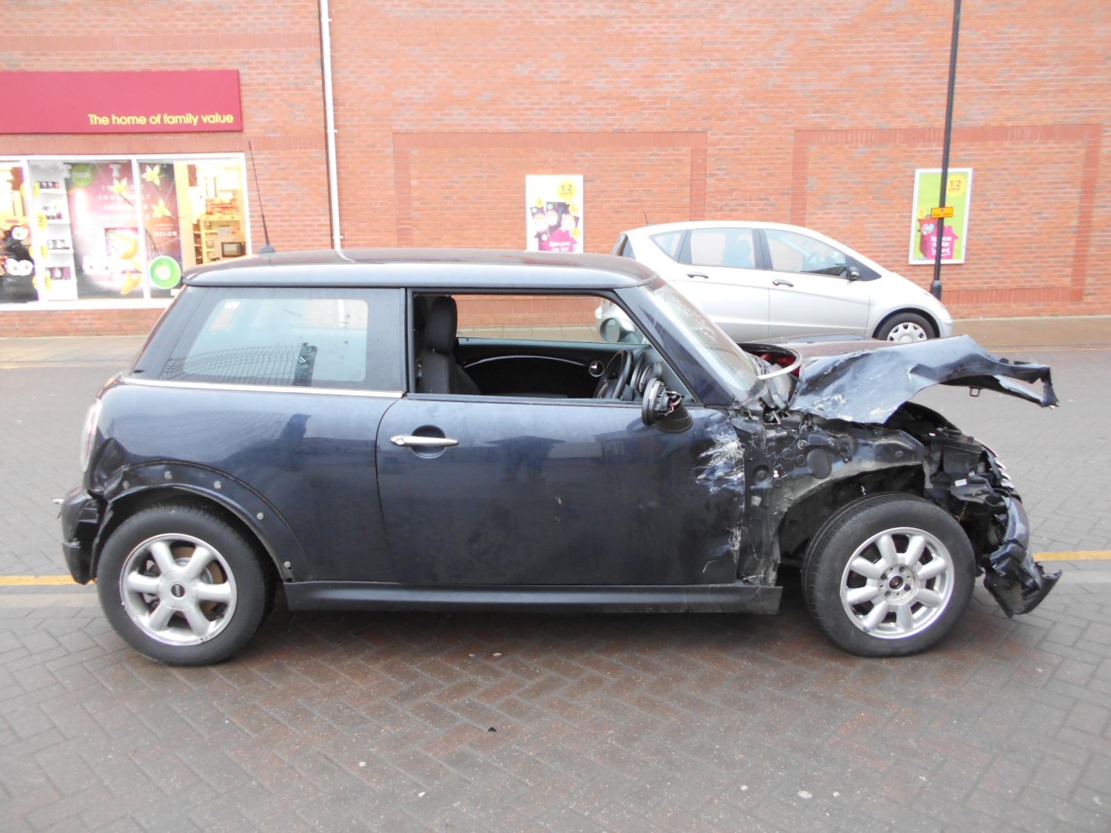 08 Black 1.4 BMW Mini One - 1