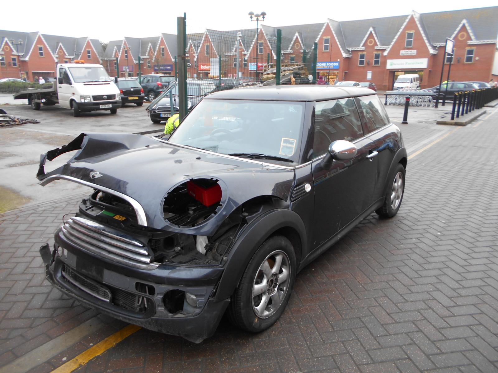 08 Black 1.4 BMW Mini One - 3